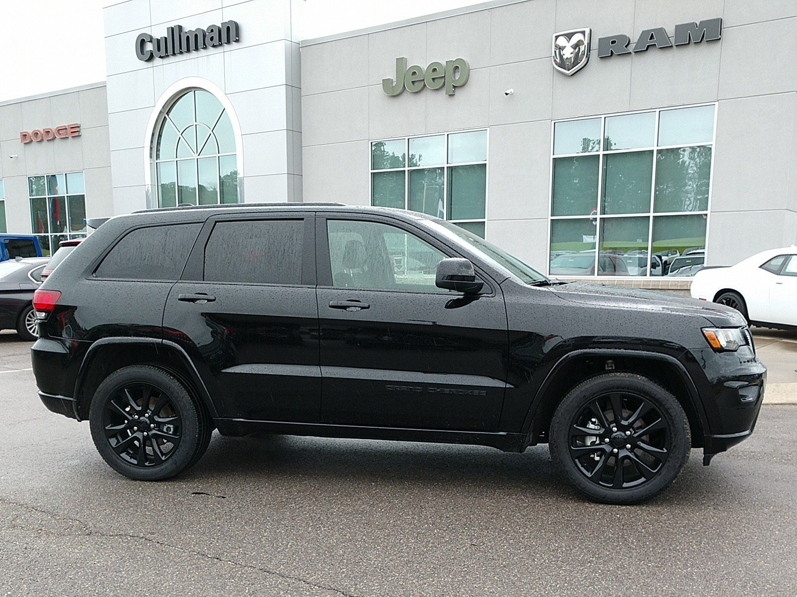 Certified Pre-Owned 2019 Jeep Grand Cherokee Altitude